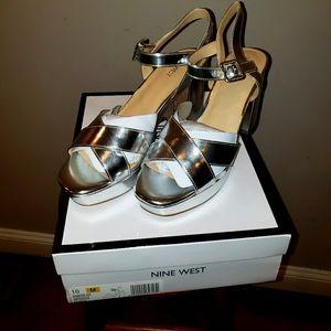 New Nine West Shoes hapydayz50 silver 10
